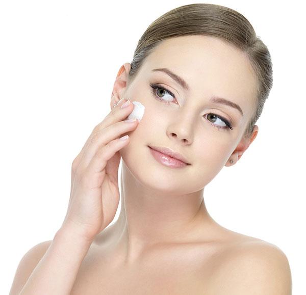 Apply Face Cream