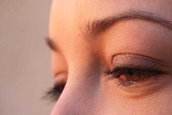 brow and lash tinting
